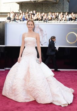 jennifer_lawrence_oscars_2013_dior_haute_couture_