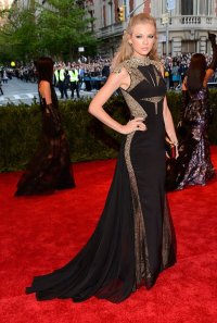 Taylor Swift in J Mendel